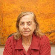 Barbara Heliodora dá lugar a Jacqueline Laurence