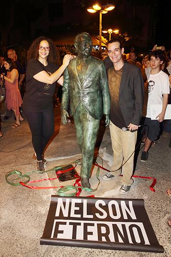 Estátua de Nelson Rodrigues em Copacabana