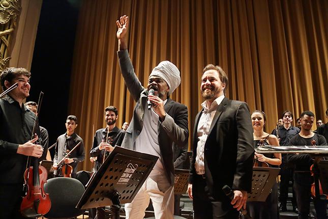 Orquestra Sinfônica Cesgranrio transforma Theatro Municipal do Rio em sala de aula - Música Clássica nas Escolas