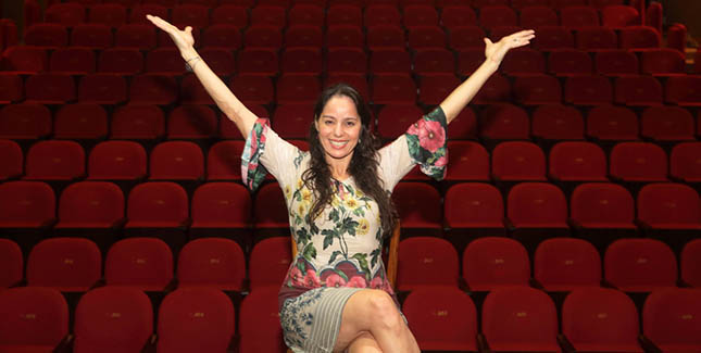 Acompanhe o Centro Cultural Cesgranrio nas redes sociais - Claudia Mauro